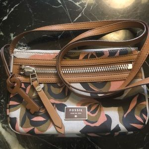 Fossil Crossbody Bag Floral Pattern Leather Strap